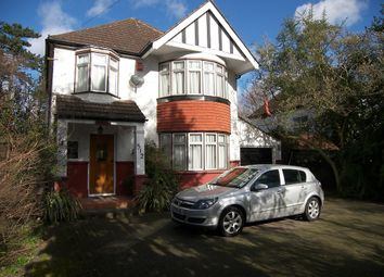 4 bed detached to let in Uxbridge Road