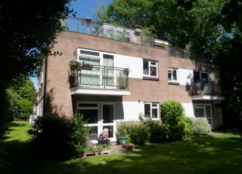 2 bed flat to rent in Walmer Court, Wellington Road, Bournemouth BH8