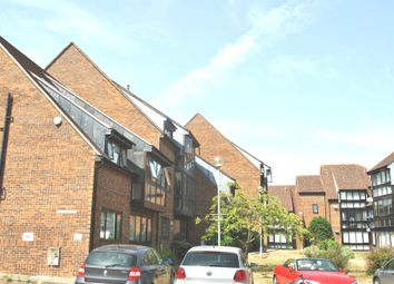 Thumbnail 1 bedroom flat to rent in Wyllyotts Place, Potters Bar