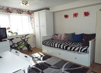 Thumbnail 1 bed flat to rent in Springwood Crescent, Edgware