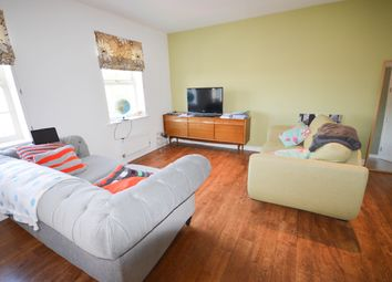 2 bed flat to rent in Kirkby View, Gleadless, Sheffield. S12