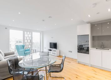 Thumbnail 1 bed flat to rent in Lambeth High Street, Vauxhall