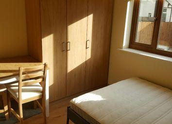 Thumbnail Room to rent in North Circular Road, London