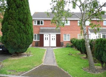 2 bed flat to let in Hythe Avenue