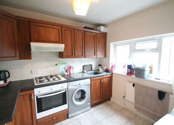 2 bed flat to rent in Swan Road, West Drayton UB7