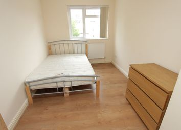 Thumbnail 1 bed flat to rent in Richmond Road, Roath, Cardiff