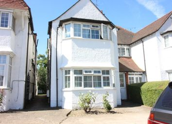 3 bed flat to rent in Golders Green Road, Golders Green NW11