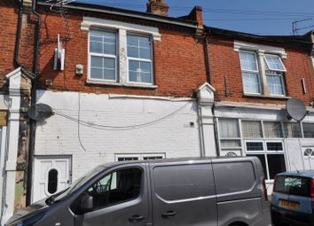 Thumbnail 5 bed flat for sale in Whitestile Road, Brentford, Middlesex