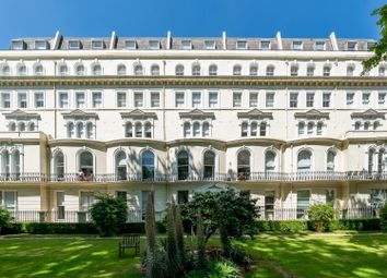 Thumbnail 1 bed flat for sale in Kensington Gardens Square, London