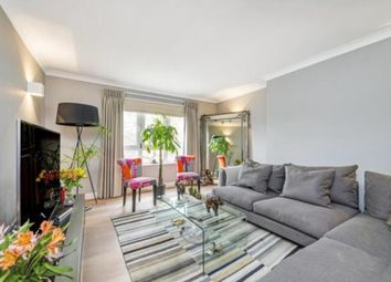 Thumbnail 3 bed flat to rent in Stokwell, London