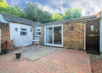 Brighton Road, Coulsdon CR5. 1 bed property