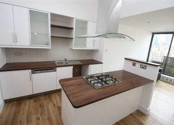 Thumbnail 2 bedroom flat to rent in Thrawl Street, London