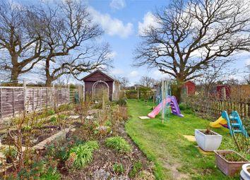 3 bed bungalow for sale in Hurst Close, Staplehurst, Kent TN12