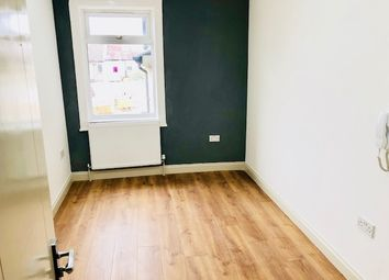 Room to rent in Whitehorse Road, Thornton Heath CR7