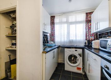 Thumbnail 2 bed flat for sale in Glengall Road, Peckham