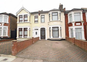 3 bed property to rent in De Vere Gardens, Ilford IG1