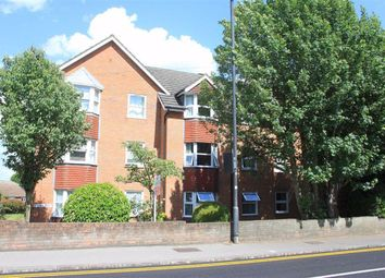 Thumbnail 1 bedroom flat for sale in Clarence Court, Maidenhead, Berkshire
