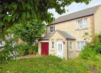 4 bed property for sale in Goldcrest Way, Bicester OX26