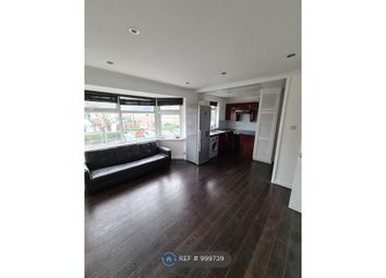 2 bed flat to rent in Shakespeare Avenue, Hayes UB4