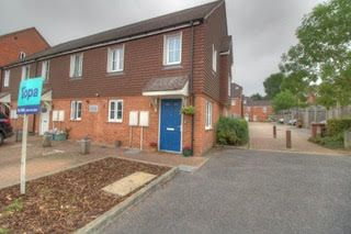 Cottington Drive, Tunbridge Wells TN4. 2 bed semi-detached house