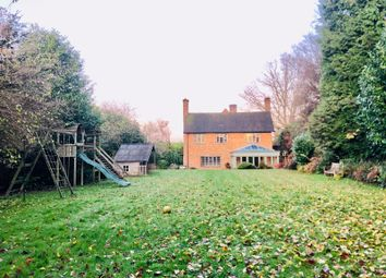 Thumbnail 6 bedroom detached house to rent in Westerham Road, Oxted