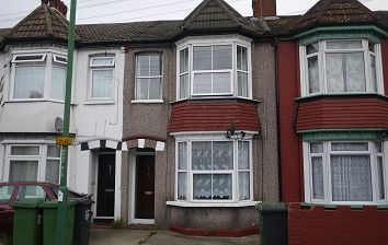 Thumbnail 3 bedroom property to rent in Park Road, Dartford