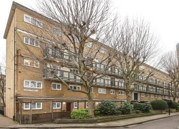 3 bed maisonette to rent in Launch Street, London E14