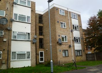 Thumbnail 1 bedroom flat to rent in Wivenhoe Court, Staines Road, Hounslow, Middlesex