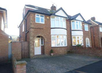 4 bed property for sale in Kingsbury Gardens, Dunstable LU5