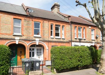 Thumbnail 2 bed flat to rent in Chewton Road, London