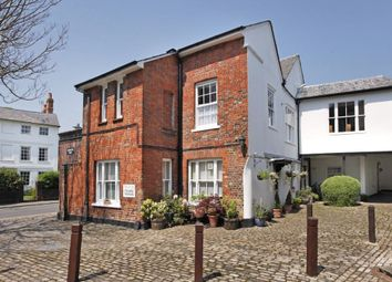 Thumbnail 2 bed flat to rent in Church Street, Old Amersham, Buckinghamshire