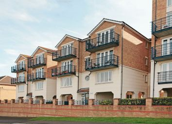 Thumbnail 2 bedroom flat for sale in Hamilton Court, Fennel Close, Borstal, Rochester