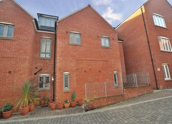 Thumbnail 3 bed town house for sale in Coopers Yard, Paynes Park, Hitchin