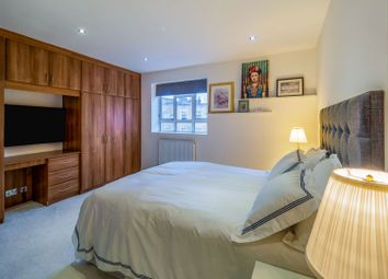 Gloucester Place, London NW1. 2 bed flat for sale