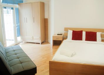 Thumbnail Room to rent in Doric Way, London