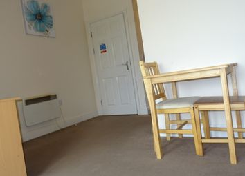 Thumbnail 1 bed flat to rent in Briggate, Shipley