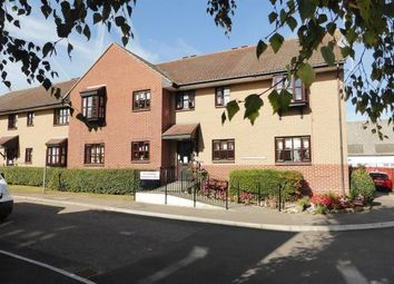 Thumbnail 2 bed property for sale in Hilltop Close, Rayleigh, Essex