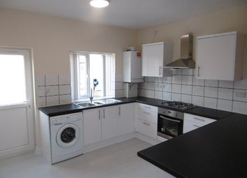 Thumbnail 2 bed flat to rent in Chilwell Road, Beeston
