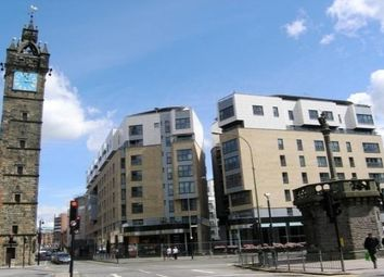Thumbnail 2 bedroom flat to rent in High Street, Glasgow