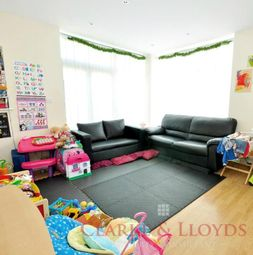 Thumbnail 1 bed flat to rent in Hatfield Road, London