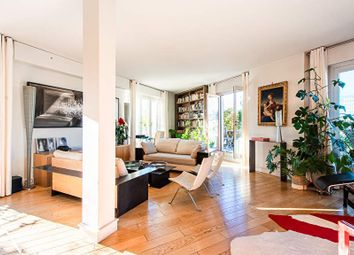 Thumbnail 2 bed property for sale in Paris, 75018, France