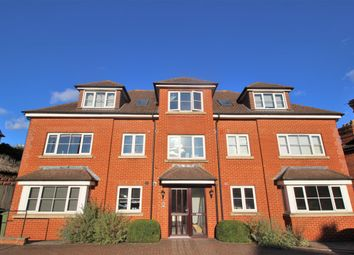 Worplesdon Court, 160 Worplesdon Road, Guildford, Surrey GU2. 2 bed flat