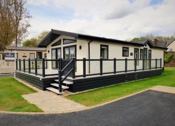 Thumbnail 3 bed mobile/park home for sale in Broadway Lane, South Cerney, Cirencester
