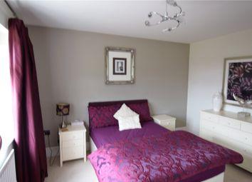 Thumbnail Room to rent in Blackcap Lane, Jennetts Park, Bracknell, Berkshire