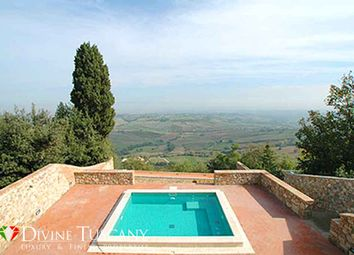 Thumbnail Hotel/guest house for sale in Strada Per Pienza, Montepulciano, Siena, Tuscany, Italy