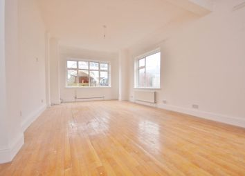 Room to rent in Aldborough Road South, Seven Kings, Ilford IG3