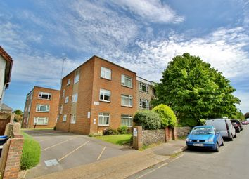 Thumbnail 2 bed flat to rent in Clifton Road, Worthing