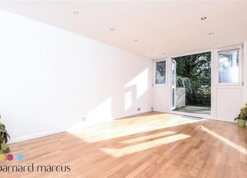 Thumbnail 3 bed flat to rent in Augustus Close, Brentford