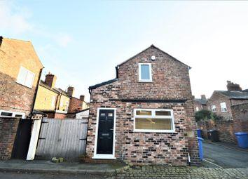 Thumbnail 1 bedroom detached house to rent in Roman Road, Stockton Heath, Warrington