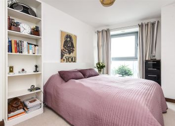 Thumbnail 2 bed flat to rent in Bridges Court Road, Battersea, London